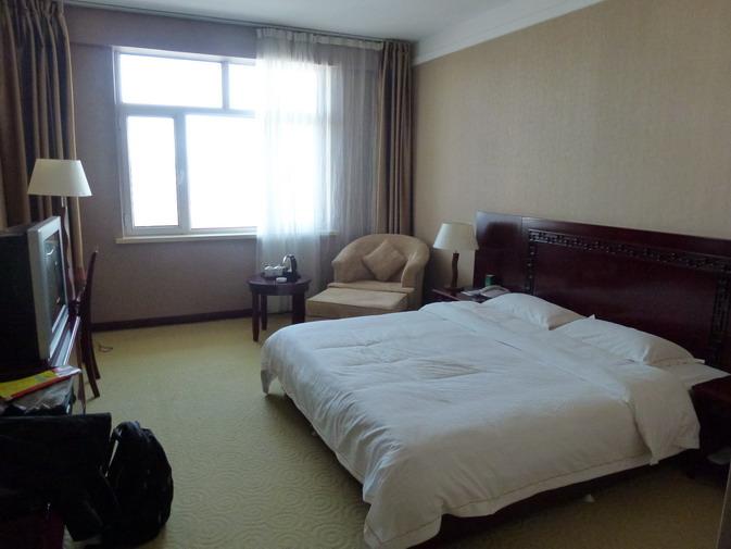 背景墙 房间 家居 酒店 设计 卧室 卧室装修 现代 装修 673_505